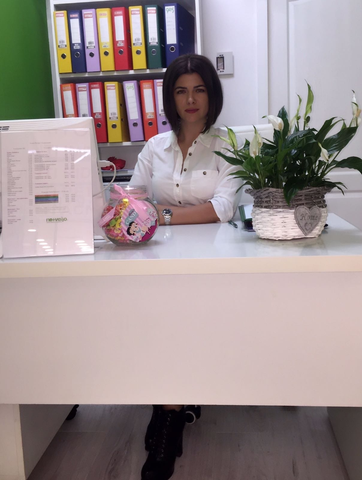 manager salon infrumusetare