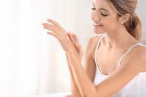 Cum sa ai grija corect de mainile tale: sfaturi si secrete Nomasvello