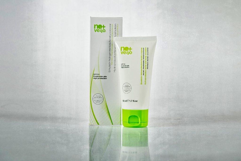 Produse cosmetice cu factor de protectie solara